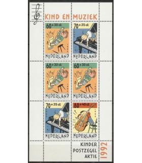 1541 Kinderzegels (xx)