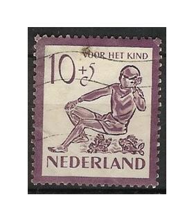 566 Kinderzegels (o)