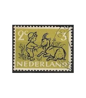 596 Kinderzegels (o)