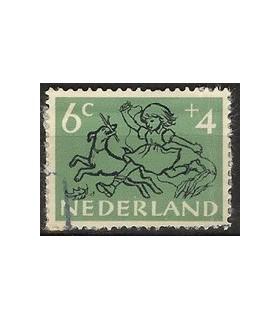 598 Kinderzegels (o)