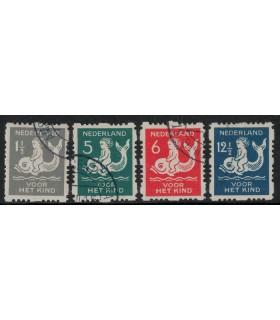 R82 - R85 Kinderzegels (o)