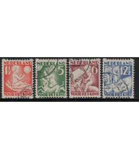 R86 - R89 Kinderzegels (o)