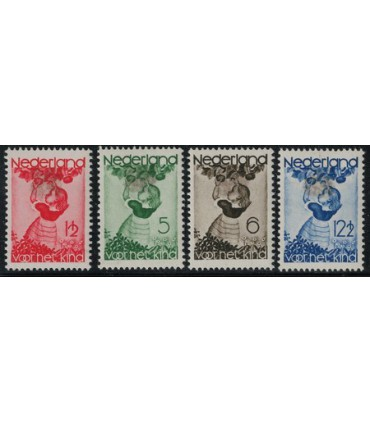279 - 282 Kinderzegels (x) Bkeus