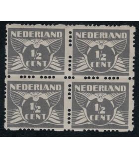 R33 vliegende duif (xx) blok van vier
