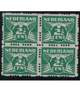 R37 vliegende duif (xx) blok van vier