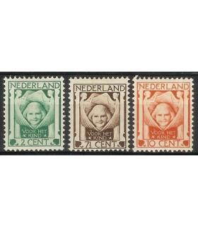 141 - 143 Kinderzegels (x)