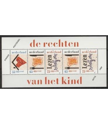 1438 Kinderzegels (xx)