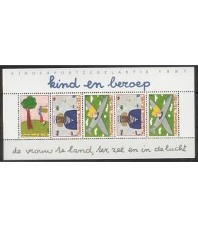 1390 Kinderzegels (xx)
