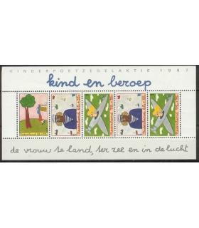 1390 Kinderzegels (o)