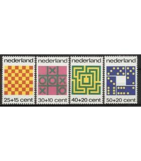 1038 - 1041 Kinderzegels (xx)