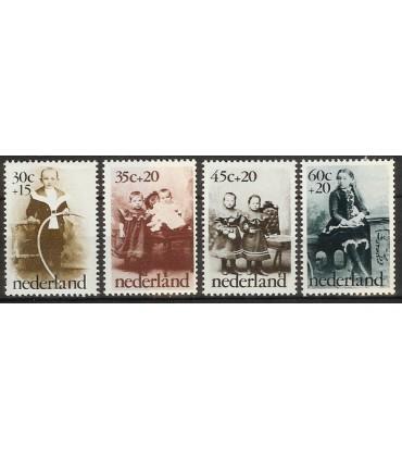 1059 - 1062 Kinderzegels (xx)