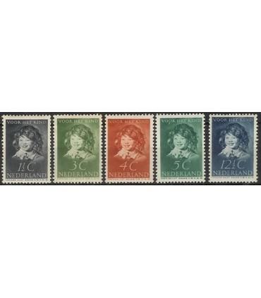 300 - 304 Kinderzegels (xx)