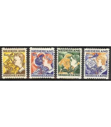 R94 t/m R97 Kinderzegels (x)
